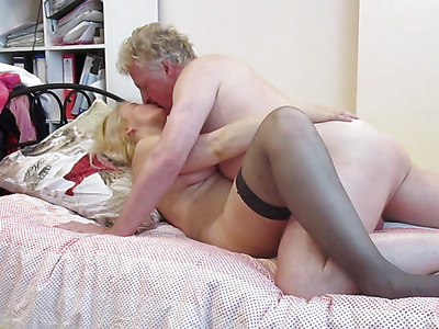 Busty Russian MILF In The Mood For Pussy Licking