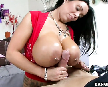Huge Titted Sienna West Gets Her Wet Ass Drilled
