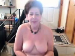 Old But Hot Chick Plays With Her Pussy
